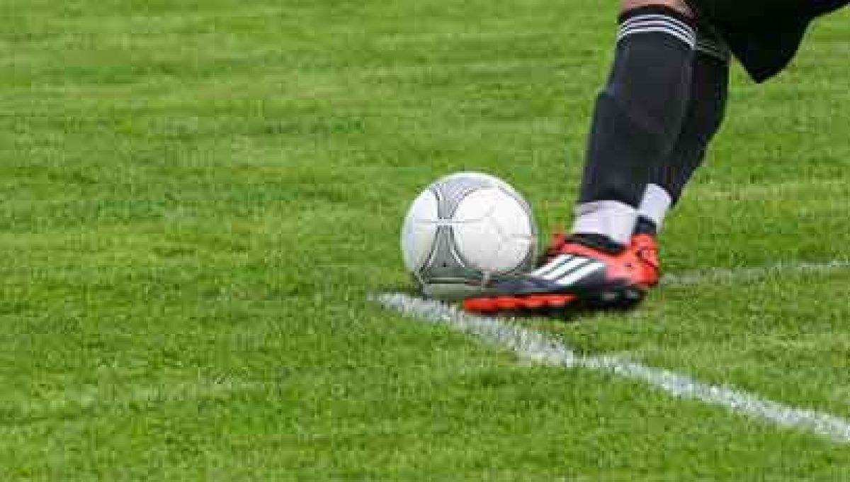 Responsabilidad de un jugador de fútbol por causar daño en un lance de juego